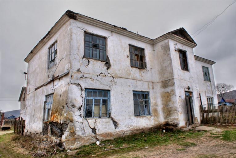 Театр абсурда: волгоградский фонд капремонта будет ремонтировать по 60 многоквартирных домов в день, - общественник