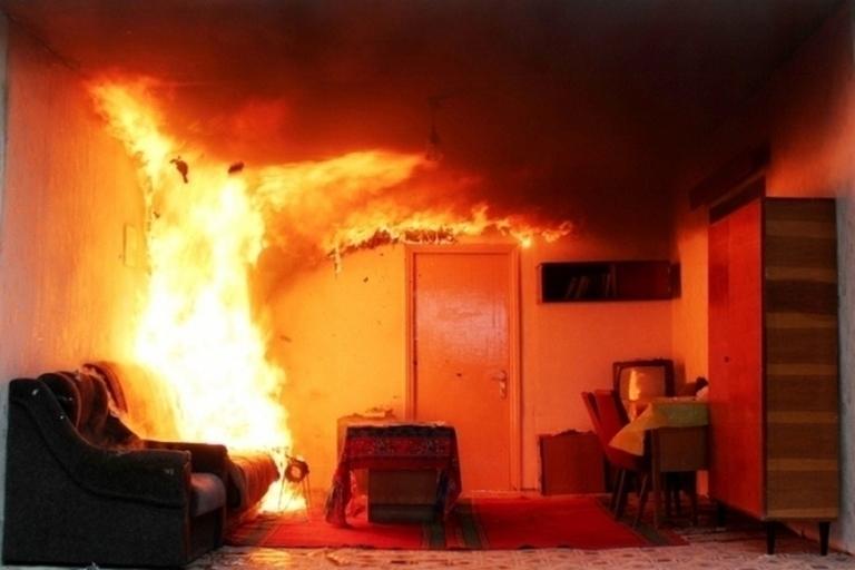 Неосторожная курильщица едва неспалила пятиэтажку наулице Рабоче-Крестьянской