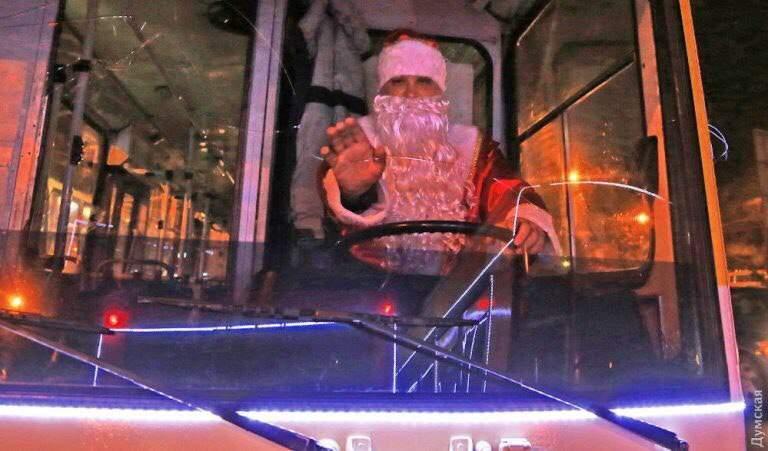 Общественный транспорт будет ходить в Волгограде всю новогоднюю ночь