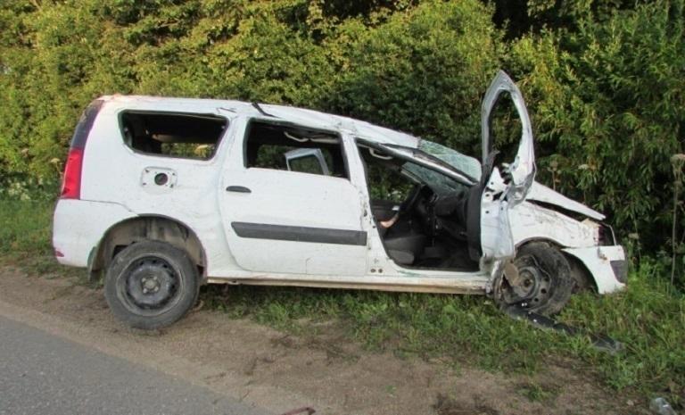 49-летний водитель «Лады» погиб в перевернувшемся автомобиле под Волгоградом