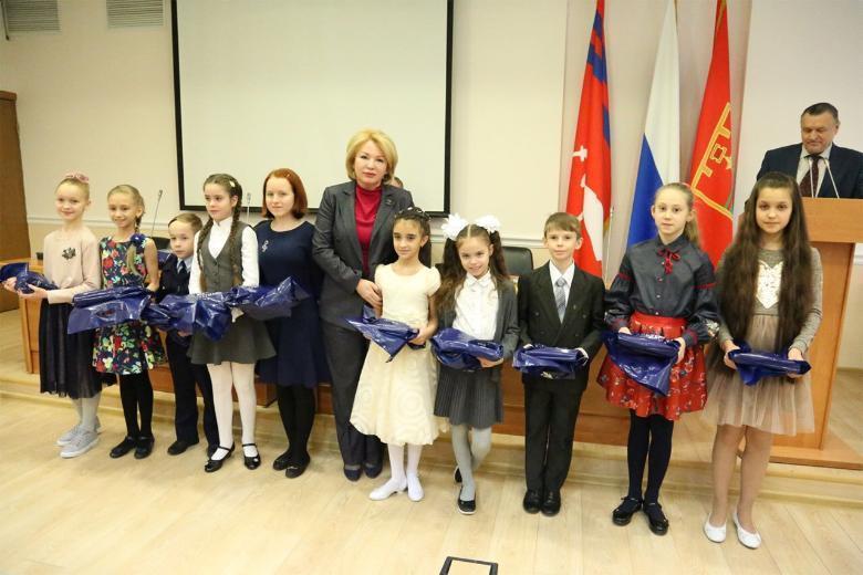 Юные таланты Волгограда чествовали в городской думе