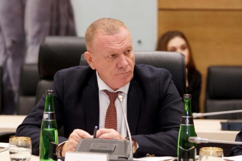 Лидер волгоградской «Единой России» на несколько минут уйдет в отставку