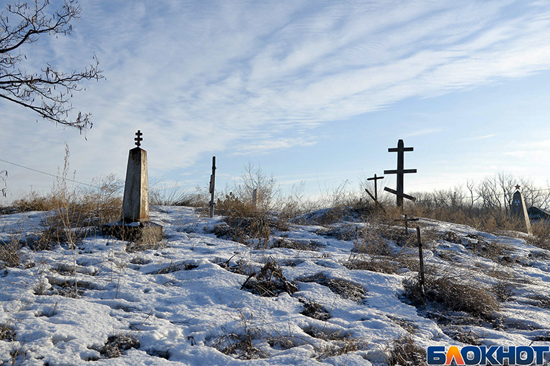 Волгоградский фотограф показал забытые могилы героев Сталинградской битвы