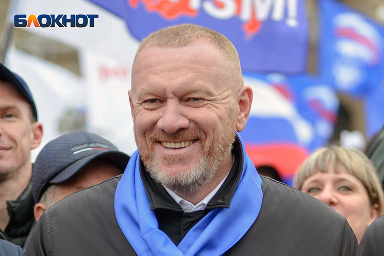 У меня борода, народ скажет мне «да»: главный волгоградский единоросс накануне выборов стал бородачом