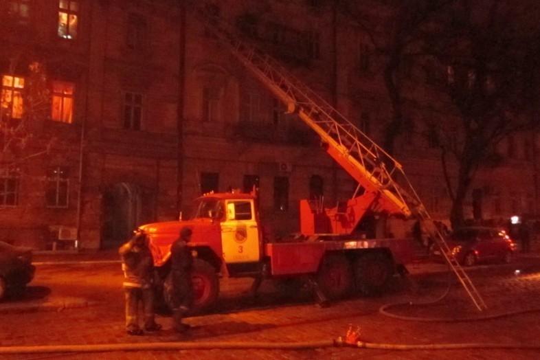 Впожаре вВолжском эвакуировали девять граждан многоквартирного здания