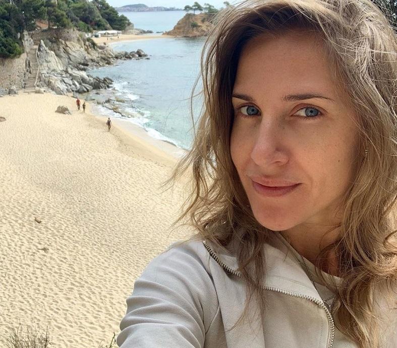 Юлия Ковальчук вспомнила свое танцевальное прошлое, отдыхая на пляже