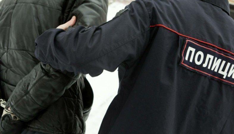 Мужчина на радостях из-за пожара у друга избил полицейского под Волгоградом