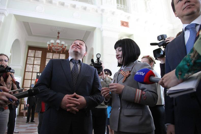 Губернатор Андрей Бочаров и поросенок Чок стали главными героями волгоградской культуры