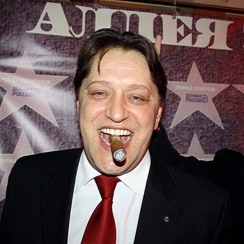 Волгоградский общественник поймал кандидата в президенты на увлечении эротическими романами