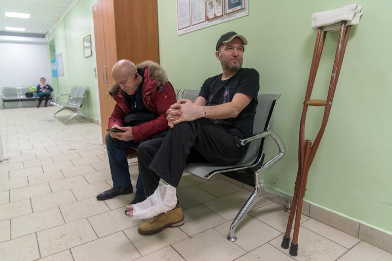 Травмпункты Волгограда заполнены горожанами, пострадавшими из-за нечищеных улиц