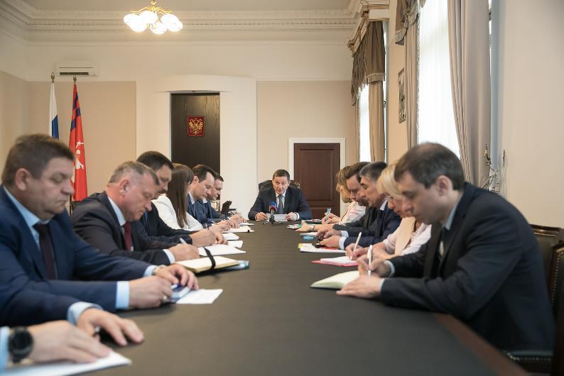 Стало известно, какие зарплаты получают заместители Андрея Бочарова