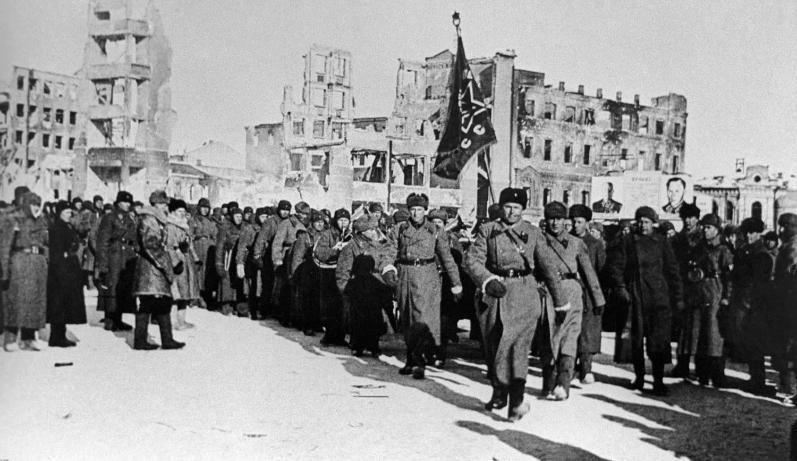 Календарь: 4 февраля 1943 год – митинг победителей в Сталинграде
