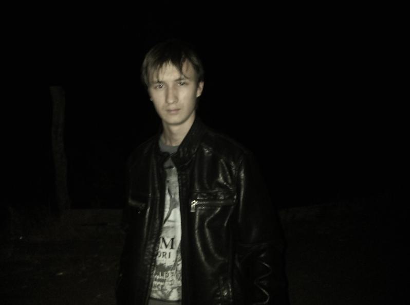 Под Волгоградом таинственно пропал темноволосый бледнолицый парень
