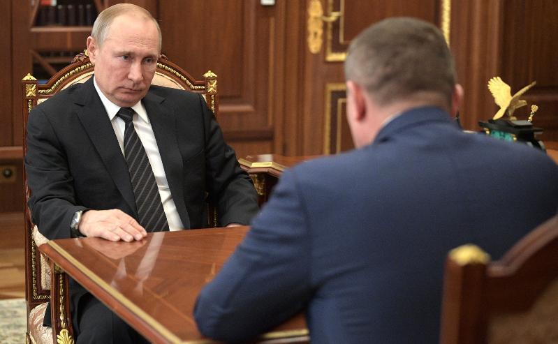 Имя президента России Владимира Путина цинично используют для пиара волгоградского губернатора, - гражданский активист