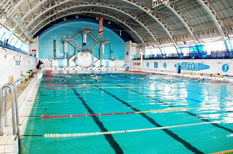 Пловцам в Волгограде задним числом арендовали дорожки в бассейне