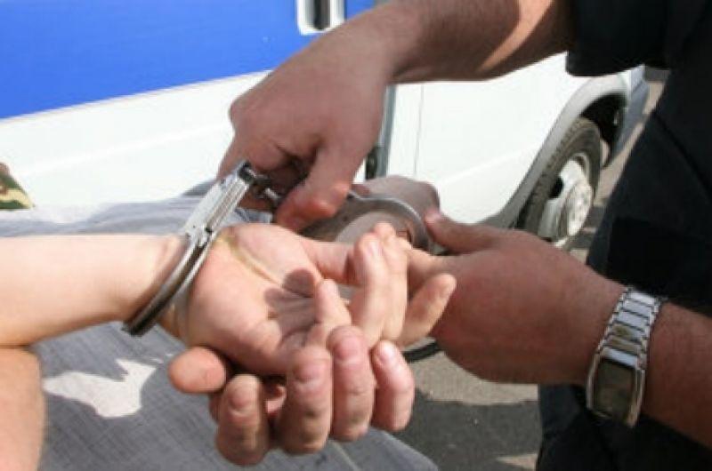 За хранимые под деревом наркотики преступник получил семь лет
