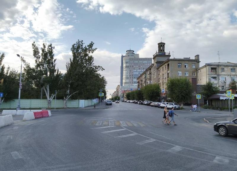 Сам изменил схему движения: в Волгограде возмущены действиями велоактивиста на Комсомольской