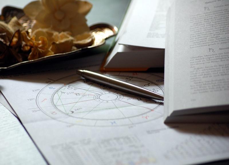 Астролог: Скорпионам этой осенью придется заняться собой и домашним хозяйством