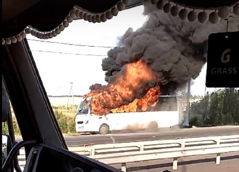 Пассажирский автобус выгорел дотла в Городищенском районе