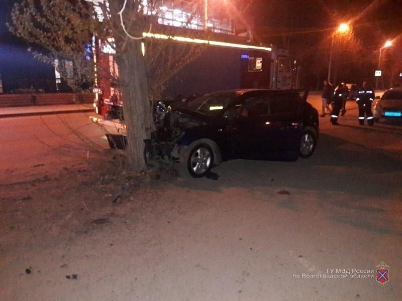 Волжанин погиб за рулем Kia Ceed, протаранив дерево