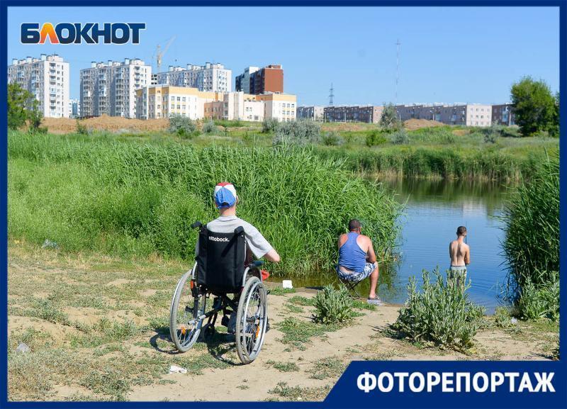 Печальная картина из строительного мусора и отходов в «Родниковой долине» попала в объектив волгоградского фотографа