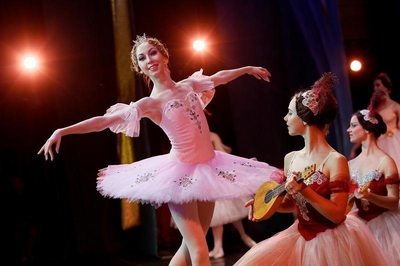 Волгоградский зритель влюбился в изящную, грациозную маленькую балерину