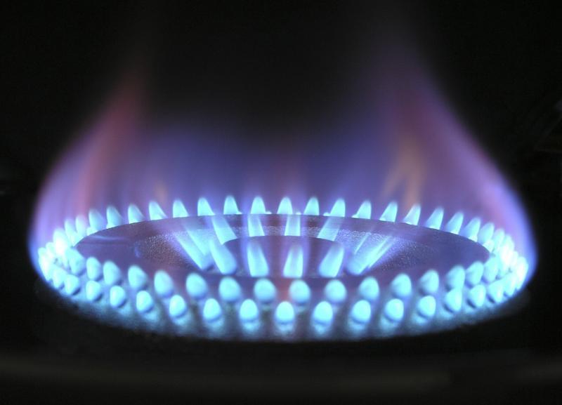 Почему в квитанции за газ появляется сумма к оплате, превышающая месячное потребление газа?