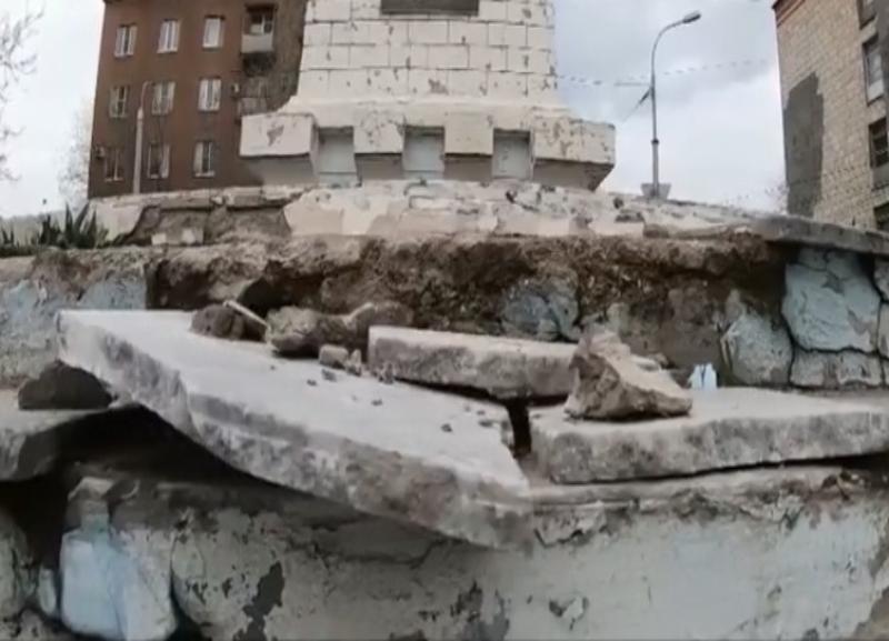 Разрушающиеся военные памятники в Волгограде показали на федеральном канале