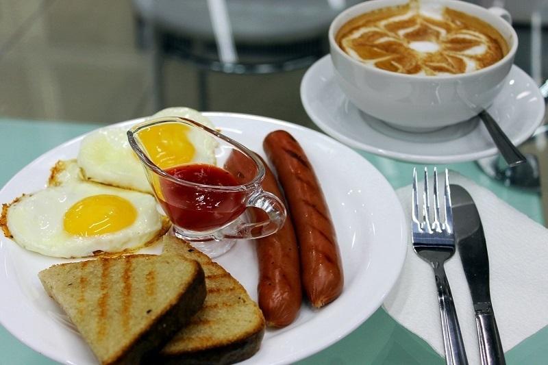Специалисты выяснили, что волгоградцы не могут жить без сосисок, сыра и кофе