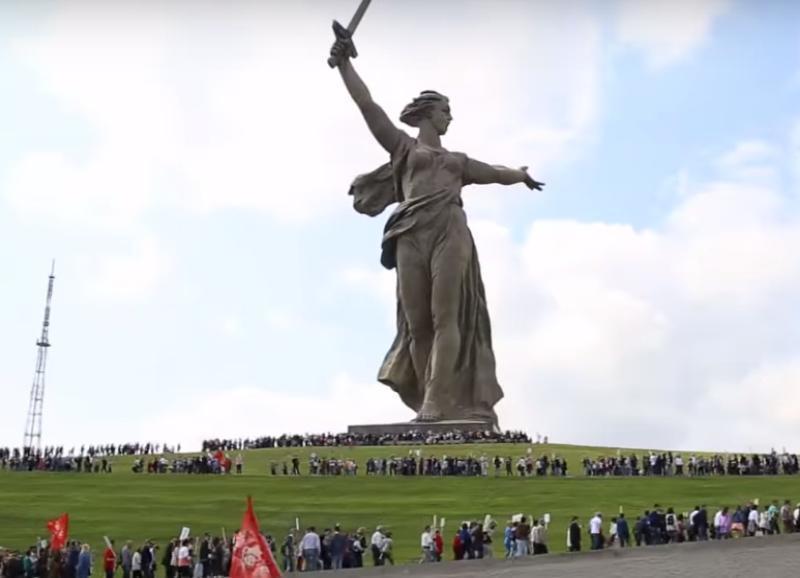 Олимпийская чемпионка рассказала, почему лучше не смотреть на «Родину-мать» в Волгограде изнутри