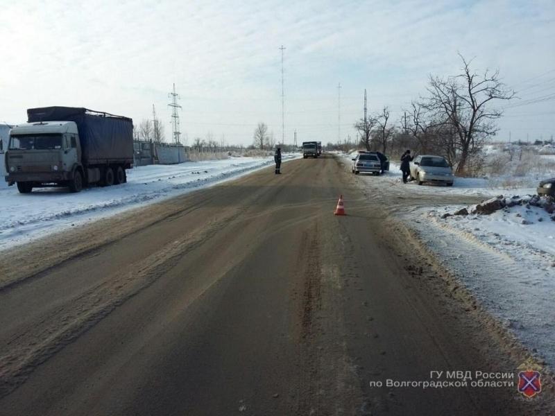 Лихач устроил ДТП вСоветском районе Волгограда и исчез