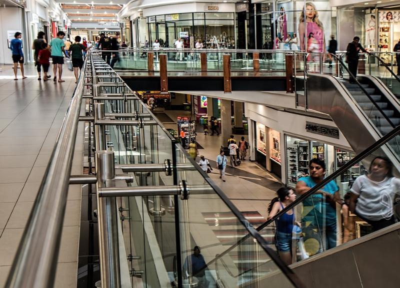 «Большой торговый центр, как пылесос», - экс-вице-мэр Волгограда уверен, что городу не нужны новые ТРЦ