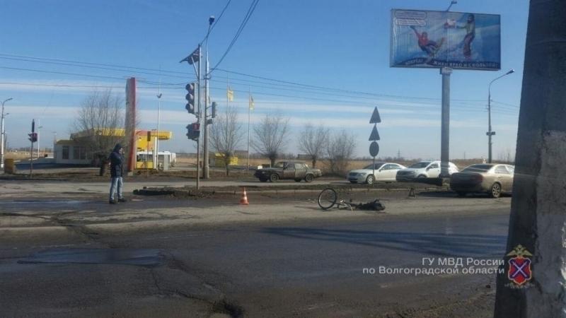 Велосипедист скончался под колесами «КИА» вВолгограде