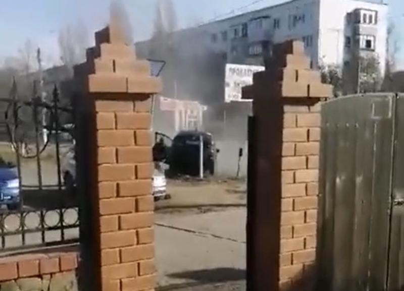 На видео попали последствия наезда женщиной-водителем на газовую трубу в Средней Ахтубе