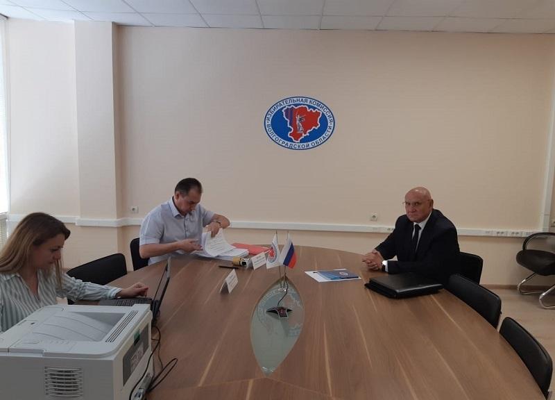 Ещё один кандидат в губернаторы Волгоградской области сдал подписи