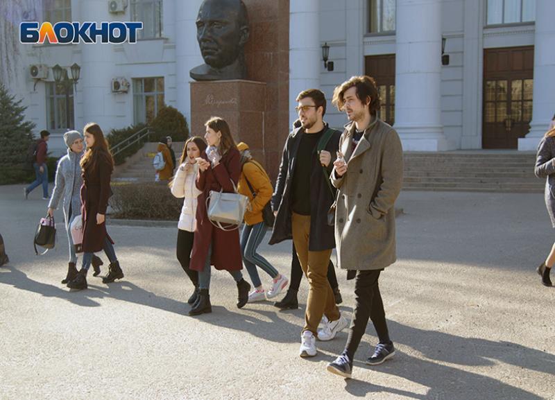 В стенах волгоградского педа наведут чистоту за 8 млн рублей