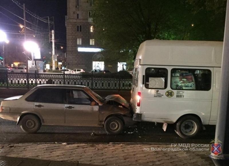 Шофёр «Жигулей» протаранил маршрутку №36