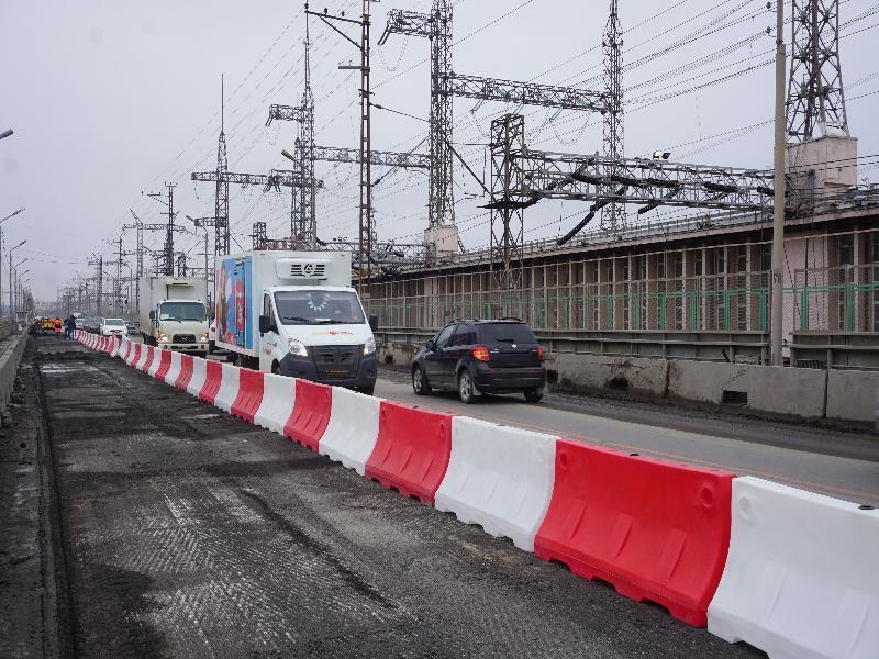 Волгоградские водители жалуются на огромные пробки на ГЭС