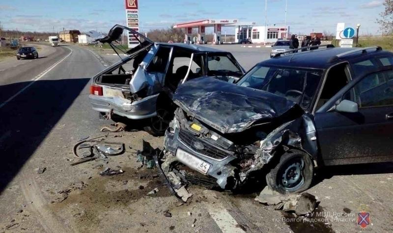 Тройное ДТП натрассе под Камышином: пострадали 3 человека