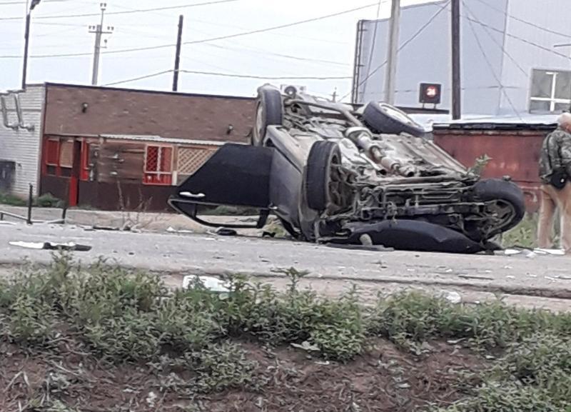 Два человека разбились в жутком ДТП в поселке под Волгоградом