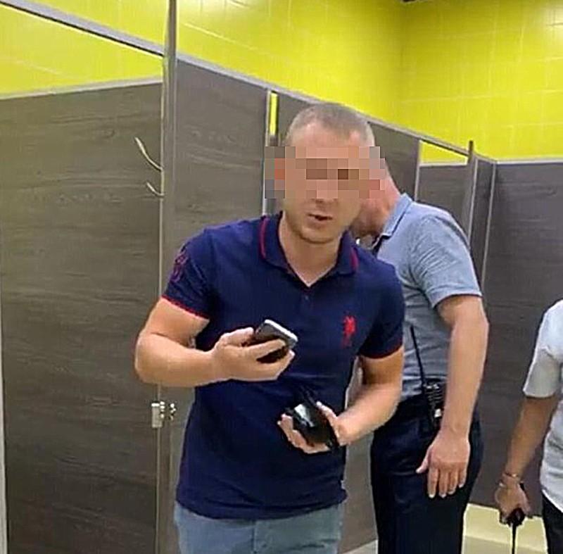 Что делать, если увидели в общественном месте извращенца с камерой, - советы волгоградских экспертов