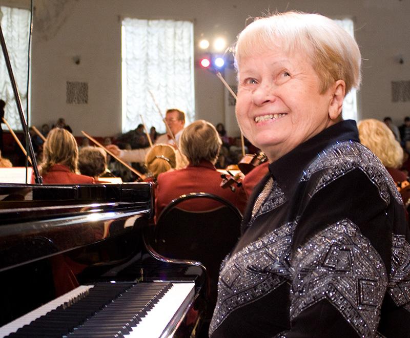 Почетный житель Волгоградской области Александра Пахмутова отмечает 90-летний юбилей