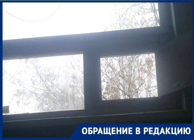 «Дышим фекалиями и мочой»: жители подъезда задыхаются из-за бездействия коммунальщиков в Волгограде