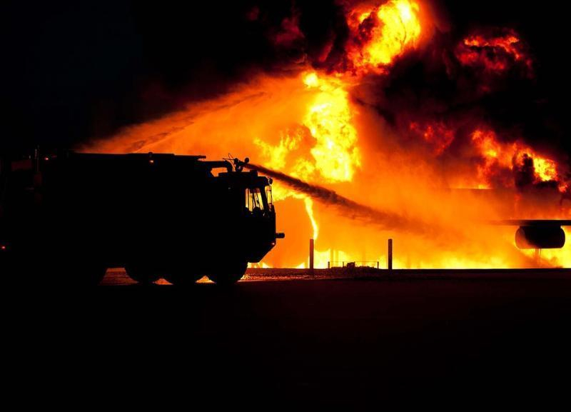 Пожар в Городище поздно ночью уничтожил Mercedes Sprinter и «ГАЗель»