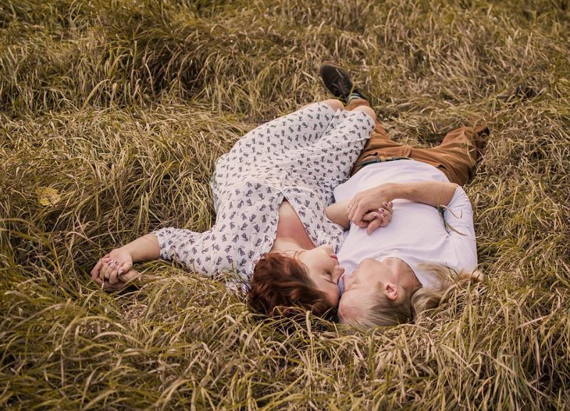 Астролог рассказала о любовной совместимости знаков зодиака
