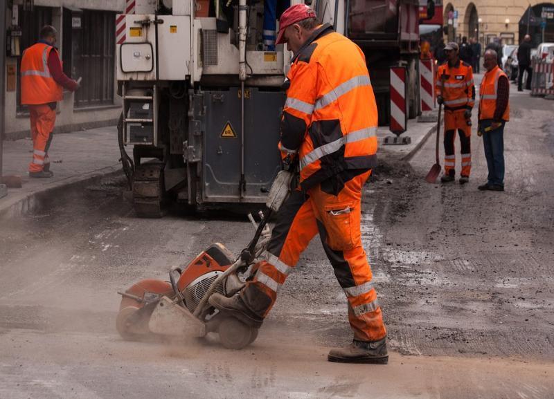 В Волгограде за 3 миллиона скорректируют проект ремонта дороги в Дзержинском районе