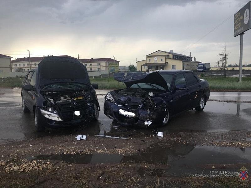Житель Ставрополя устроил ДТП в Волгограде с четырьмя пострадавшими