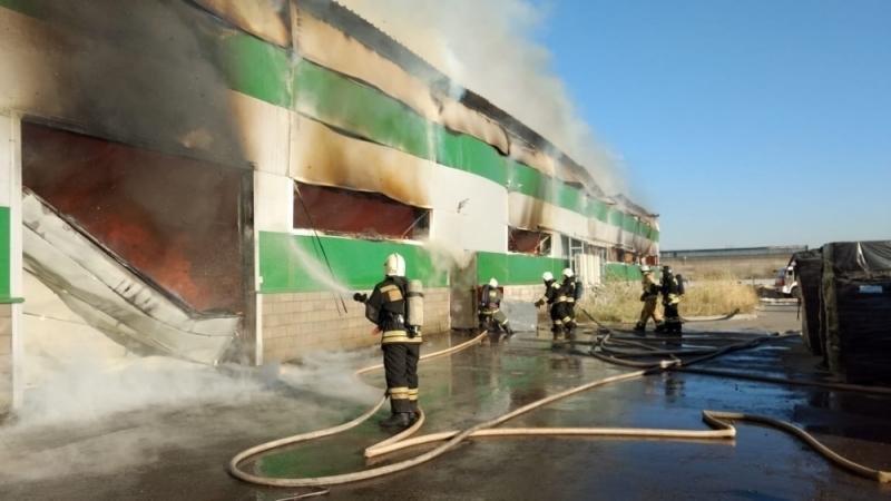 Пожар на складе туалетной бумаги в Волгограде локализован