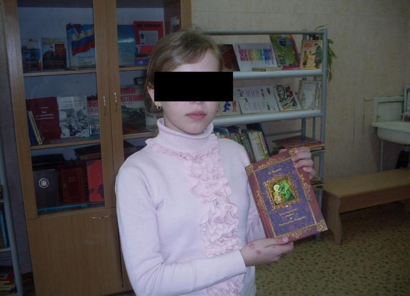 14-летняя девочка выпала с 15-го этажа на севере Волгограда