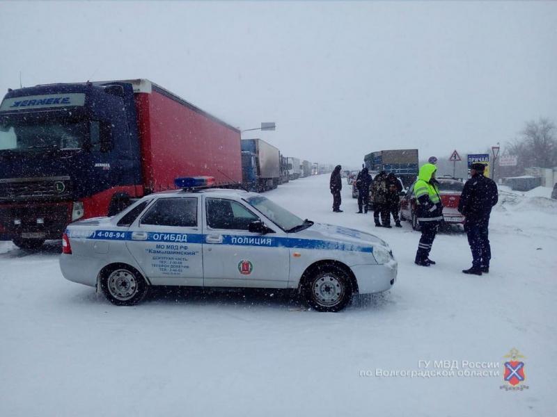 Замначальника ГИБДД Волгоградской области отправился на трассу разбираться со снегопадом